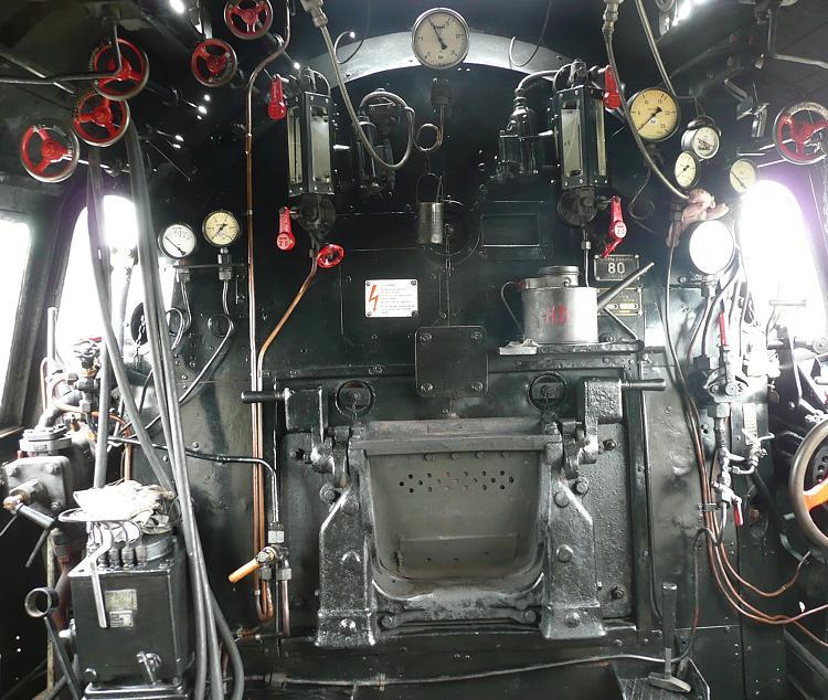 http://www.museumseisenbahn-hanau.de/sites/default/files/aktuelles/fuehrerstand.jpg