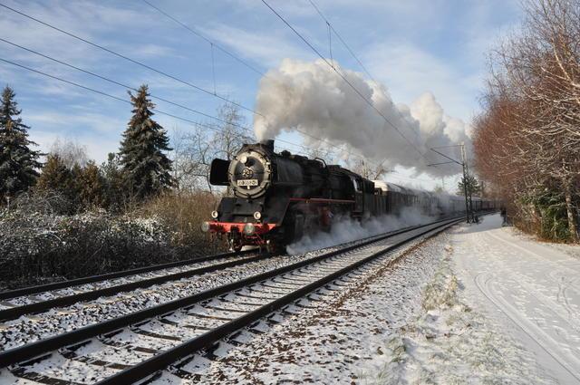 50 3552 am 08.12.2012 kurz vor Großauheim